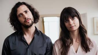 Ein Paar in Schieflage: Gianni (Nicola Mastroberardino) und Nele (Vera Bommer) wollen unterschiedliche Dinge in ihrem gemeinsamen Leben. Nikkol Rot/SRF