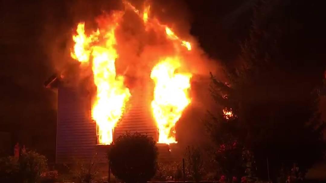 Zufikon (AG): Ein Toter bei Brand in Einfamilienhaus