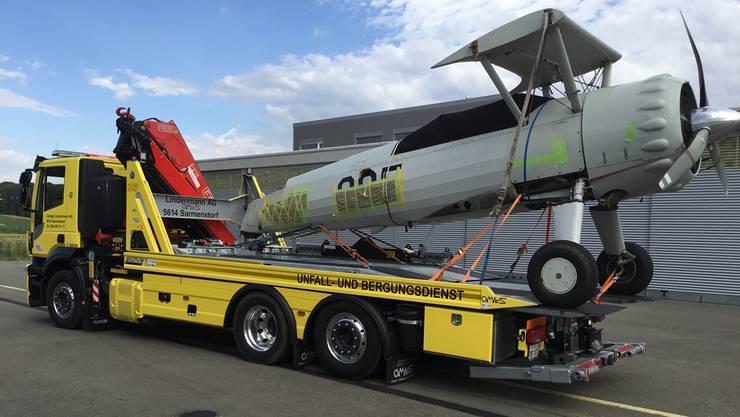 Die Lindemann Transporte GmbH hat den Oldtimer abtransportiert – für seine Reparatur.