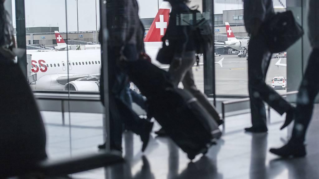Neu gilt eine Quarantänepflicht für Einreisende aus den Niederlanden, Dänemark, Tschechien und Panama: Das Bundesamt für Gesundheit hat die Liste der Risikoländer erneut angepasst. (Themenbild)