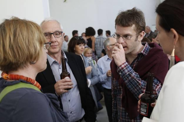 Stadtschreiber Hansjörg Boll und Erich Weber vom Museum Blumenstein