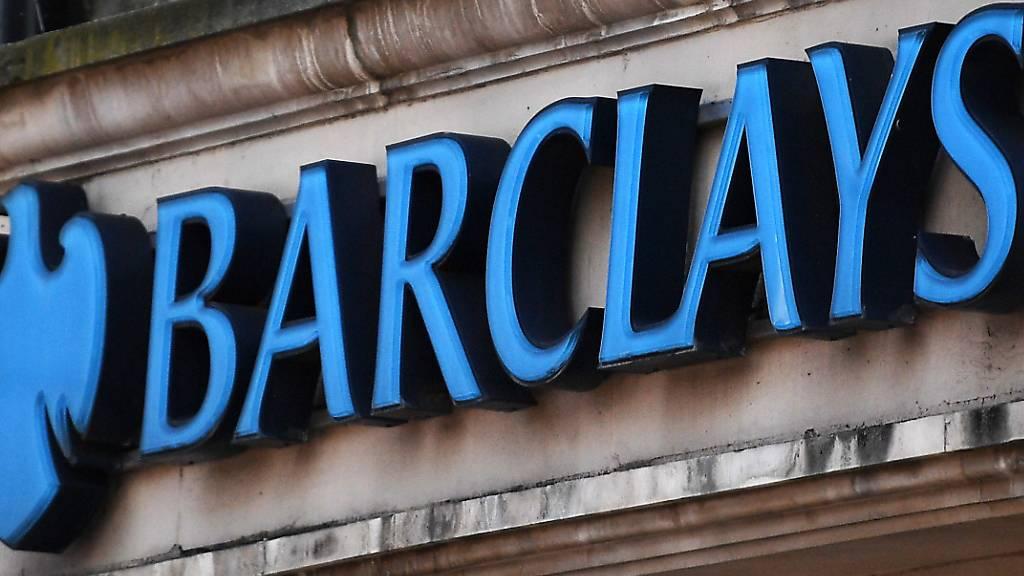 Wegen der steigenden Corona-Infektionen in Grossbritannien haben Banken und Versicherungen einen Teil ihrer Mitarbeiter wieder ins Homeoffice geschickt.  (Archivbild)