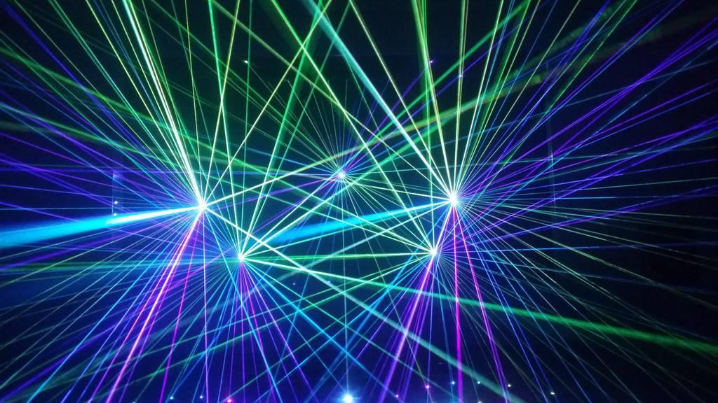 Weitere Gemeinden setzen wegen Trockenheit auf Lasershows