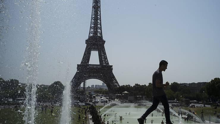 Ein steigendes Beschäftigungsniveau sowie konsumfreudige Verbraucher stützen die Konjunktur in Frankreich. (Symbolbild)