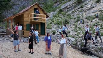 Letzte Probe im Steinbruch Chänel: Regisseurin Dagmar Elgart (links) kitzelt das Letzte aus ihrer Schauspieltruppe heraus.