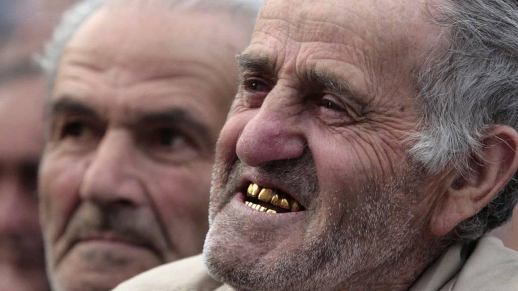 Für 50 Euro: Räuber brachen einem Mann in Frankreich bei einem Überfall vier Goldzähne aus. (Symbolbild)