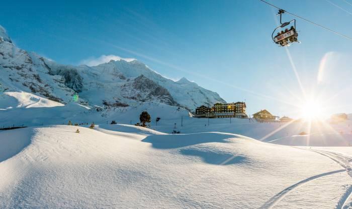 Die Kleine Scheidegg zwischen Eiger und Lauberhorn im Berner Oberland verbindet Grindelwald mit Lauterbrunnen.