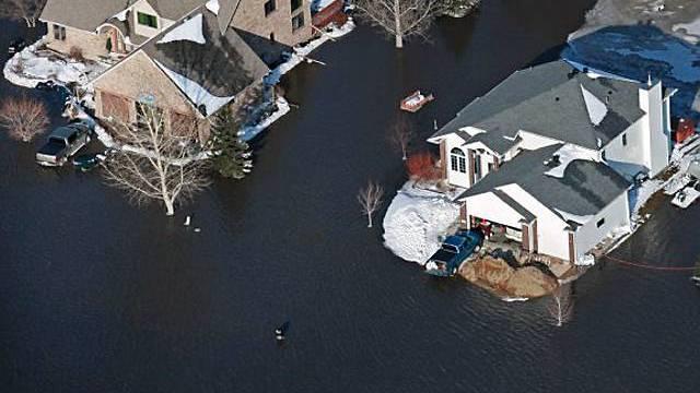 Überschwemmte Häuser am Red River