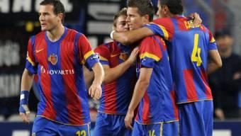 Der FC Basel jubelt - Kantersieg gegen Xamax