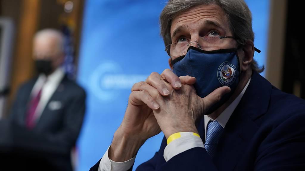 Der US-Klimabeauftragte John Kerry hofft beim Treffen der 20 wichtigsten Industrie- und Schwellenländer im Oktober in Rom auf weitere Verpflichtungen zum Klimaschutz. Foto: Evan Vucci/AP/dpa