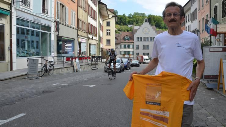Der Birrer Hansruedi Sommer hat sich jahrelang für den slowUp Brugg engagiert. Nun tritt er kürzer aus gesundheitlichen Gründen.