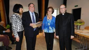 Beatrice und Martin Egli, Rosa Eichholzer und der neue Präsident, Pfarrer Georges Schwickerath (von links). Jörg Baumann