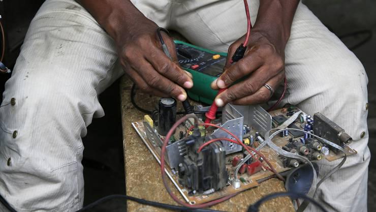 Dank Reparaturen soll der Umgang mit Ressourcen effizienter werden. (Symbolbild)