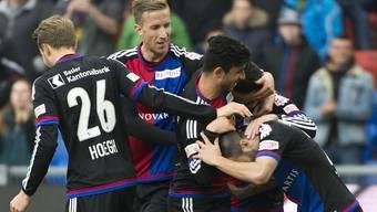 Die Basler bejubeln Renato Steffens Tor zum 4:2.