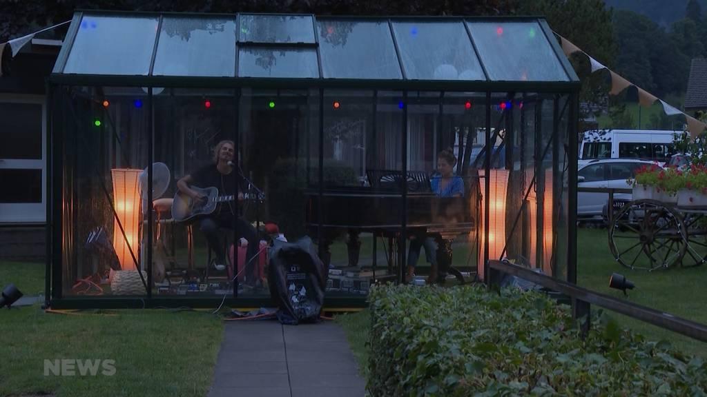 Hotel Jungfrau Alpine Inn entzückt mit aussergewöhnlichem Garten-Konzert
