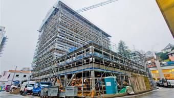 Das achtgeschossige Gebäude Lindenplatz Ost, das in Elementbauweise in einer Rekordzeit von acht Wochen erstellt wurde. Emanuel Freudiger