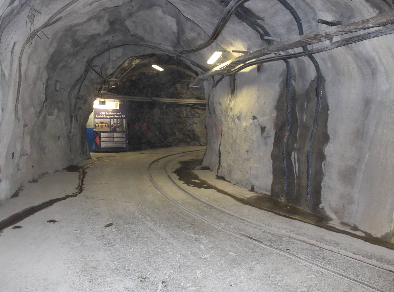 Fünf Kilometer Stollen-Netzwerk befinden sich unterhalb der Alviergruppe.