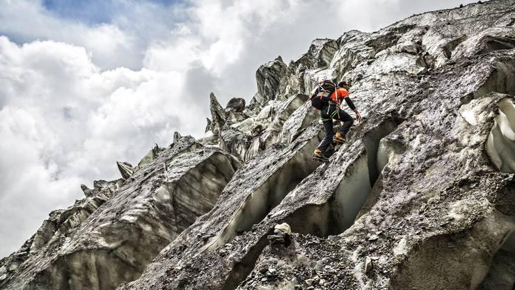 Ueli Steck auf den Weg auf den Annapurna. Er bestiegt den 8000er auf der Südroute im Alleingang.