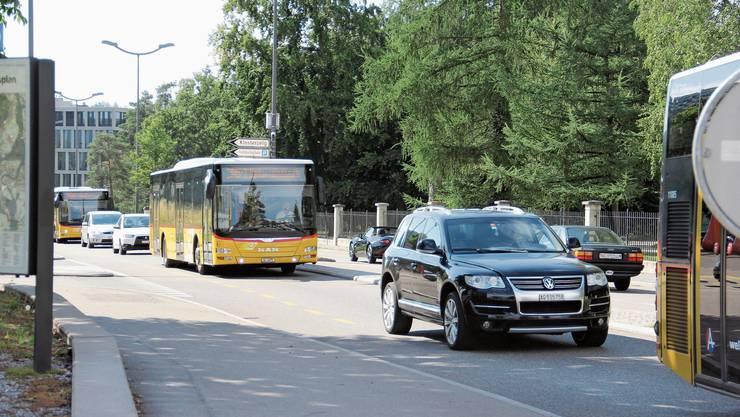 Auf der Zürcherstrasse ist das Verkehrsaufkommen hoch.