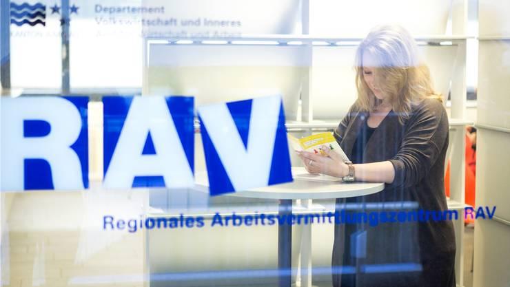 Wer im Kanton Aargau Arbeitslos ist, muss nicht im grenznahen Ausland einen Job suchen. Das sagt der Regierungsrat.