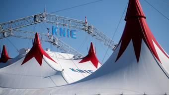 Besucher des Zirkus Knie müssen künftig auf dem gesamten Veranstaltungsgelände eine Maske tragen.