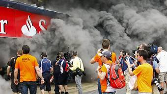 Dunkle Rauchwolken in der Williams-Box.