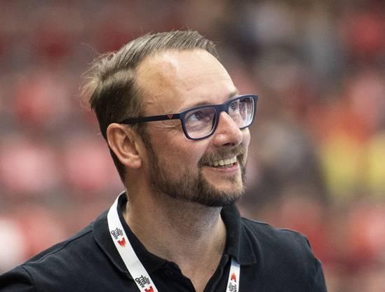 Der Schweizer Nationaltrainer hat Lisa Frey bezüglich Knieoperation geholfen.