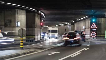 Verkehr im bisherigen Gotthard-Strassentunnel