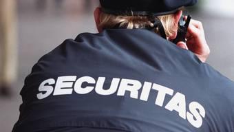 Ein Mitarbeiter eines Sicherheitsdienstes.