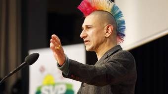 Am Kantonalparteitag der SVP Aargau mit den Nominationen für den Nationalrat tritt der Satiriker Andreas Thiel auf.