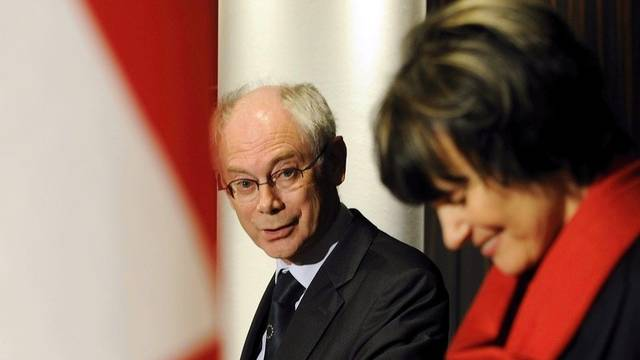 Bundesrätin Calmey-Rey und EU-Ratspräsident Van Rompuy diskutieren die bilateralen Beziehungen und die Schuldenkrise