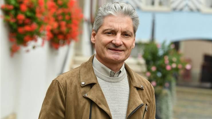 Ein Kämpfer für die Nöte der Zentrumsgemeinden: Alexander Imhof (CVP) vor dem Laufner Stadthaus.