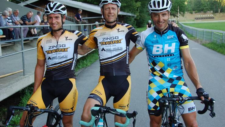 In der Hauptkategorie holte sich Christian Weber (Mitte) vor Reto Streda (links) und Sepp Christen den Sieg am sechsten Brugger Abendrennen.