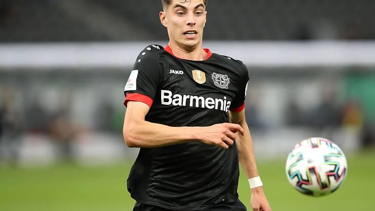 Kai Havertz, der vor dem Wechsel von Leverkusen zu Chelsea steht,  im deutschen Cupfinal am Ball