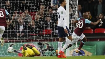 West Hams Andre Ayew jubelt, Dele Alli mit Tottenham geschlagen