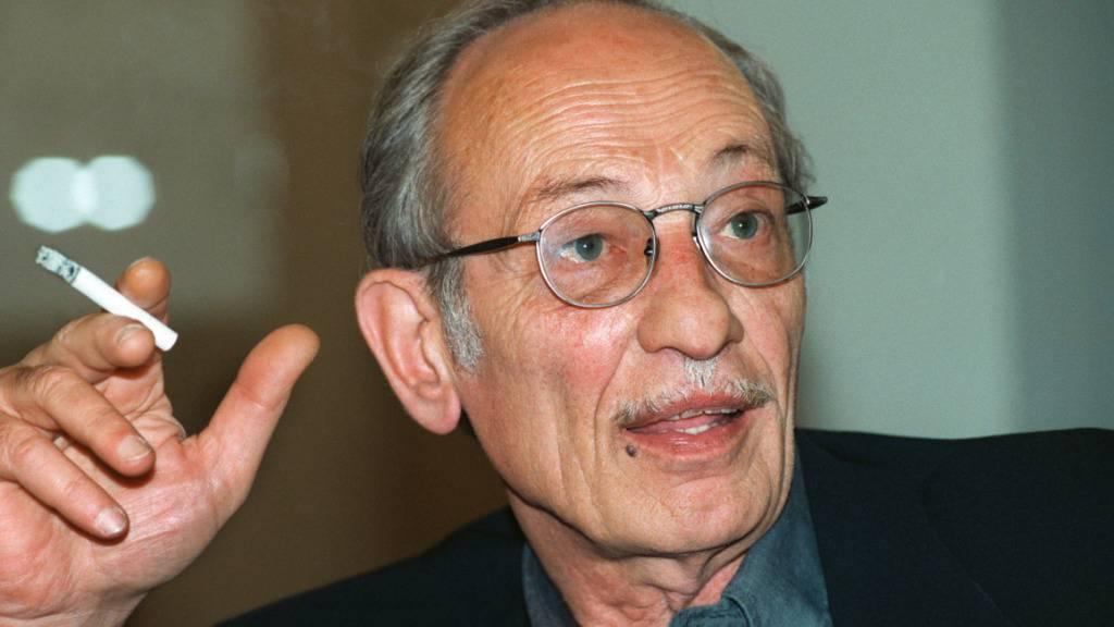 Der Tessiner Architekt Luigi Snozzi ist im Alter von 88 Jahren gestorben. Hier ein Porträt aus dem Jahr 1996. (Archivbild).