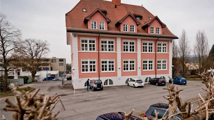 Der Gemeindehausplatz in Fislisbach erhält einen neuen Belag.