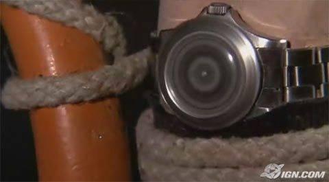 Bond-Uhr mit eingebauter Kreissäge.