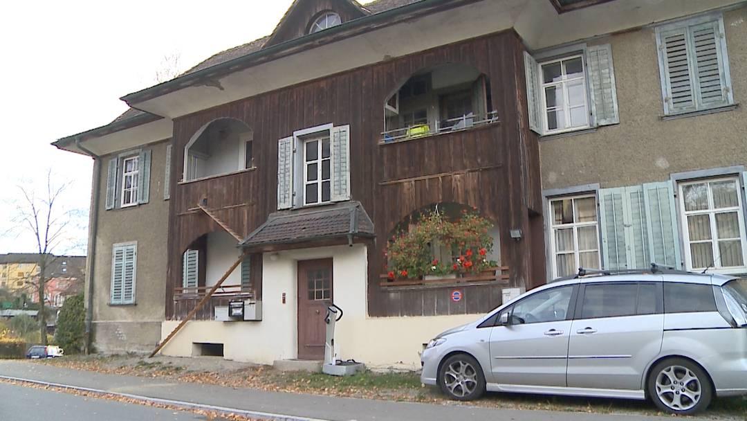 «Rechtsmedizin klärt ab, ob der Mann an den Folgen des Sturzes gestorben ist»: Fiona Strebel, Sprecherin der Aargauer Staatsanwaltschaft, zu dem noch rätselhaften Todesfall in Wohlen.