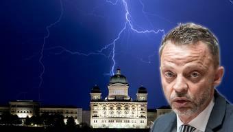 SVP-Nationalrat Hans-Ueli Vogt geriet bei der Aktienrechtsrevision zwischen die Fronten.