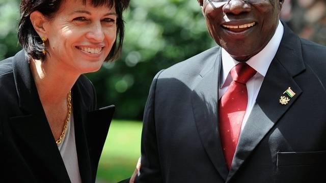 Bundespräsidentin Doris Leuthard und Ghanas Präsident John Atta Mills