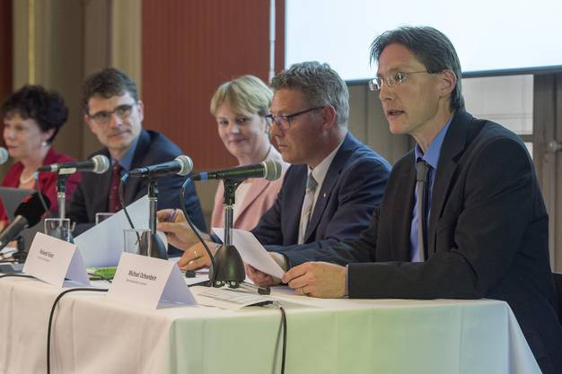 Luterbachs Gemeindepräsident Michael Ochsenbein (rechts) möchte mehr Einwohnerinnen und Einwohner in die Dorfpolitik involvieren.