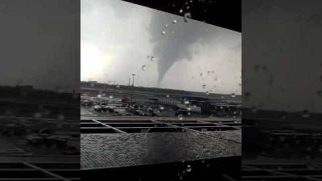 Noch mehr verrücktes Wetter: «Tornado» wütete bei Wiener Flughafen