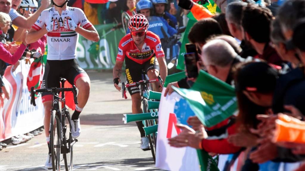 Zwei Slowenen dominieren die Vuelta: Tadej Pogacar (links) sichert sich in der 13. Etappe vor seinem Landsmann und Leader Primoz Roglic den zweiten Tagessieg in der laufenden Rundfahrt