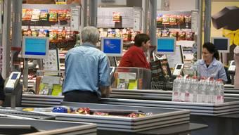 Das Stimmvolk in Basel-Stadt hat eine Verlängerung der Laden-Öffnungszeiten abgelehnt (Archiv)