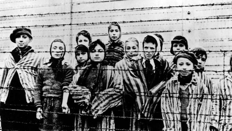 Während des Holocausts wurden auch gegen 66'000 Menschen aus Österreich getötet. Im Bild: Gefangene im Nazi-Konzentrationslager Auschwitz im Gebiet des heutigen Polen. (Symbolbild)