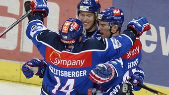 Reto Schäppi (Mitte) traf gegen Rapperswil gleich dreimal.