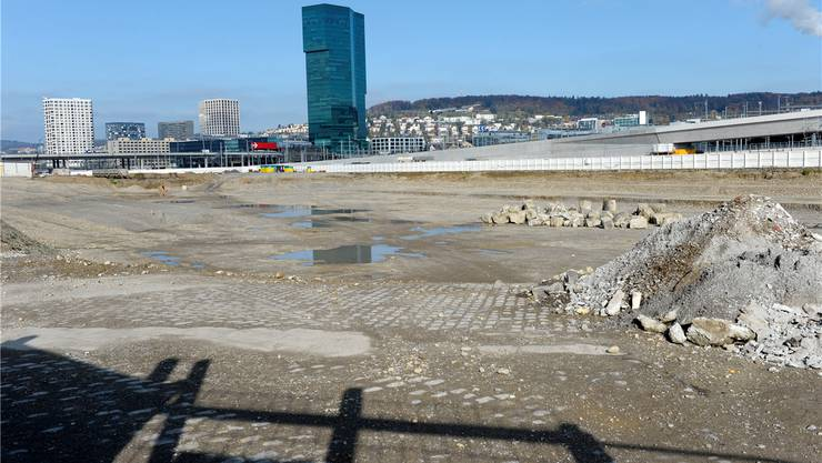 Die Baugrube für das PJZ ist schon länger ausgehoben. Johanna Bossart