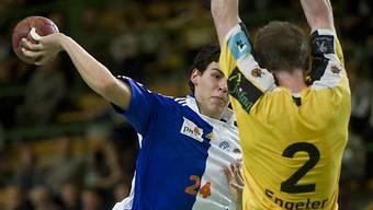Luka Maros (links) wechselt innerhalb der SHL zu Pfadi Winterthur