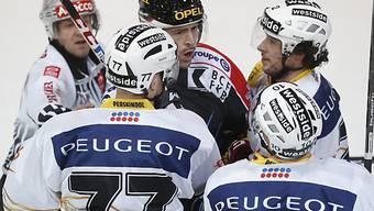 Die Berner nahmen Fribourgs Joel Kwiatkowski in die Mangel.